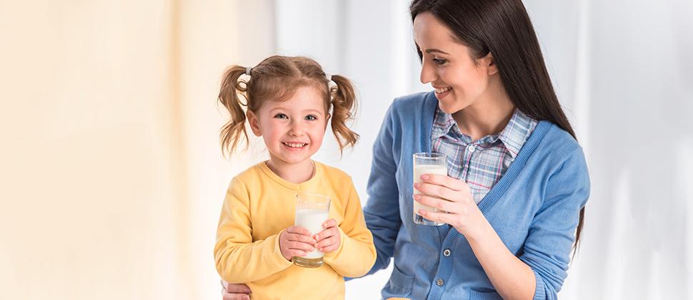 ¿Cómo escoger la leche indicada para tu hijo?