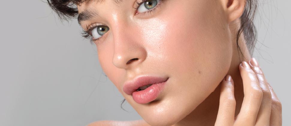 ISDIN trae lo último en hidratación facial: Hyaluronic Booster-Sérum con efecto hidratante y calmante intensivo